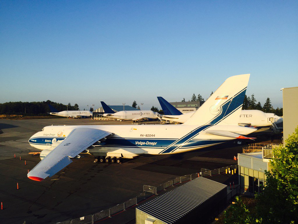 Foursome from the Strato Deck today. #avgeek @volgadneprgroup #dreamlifter https://t.co/MTyewfydKK