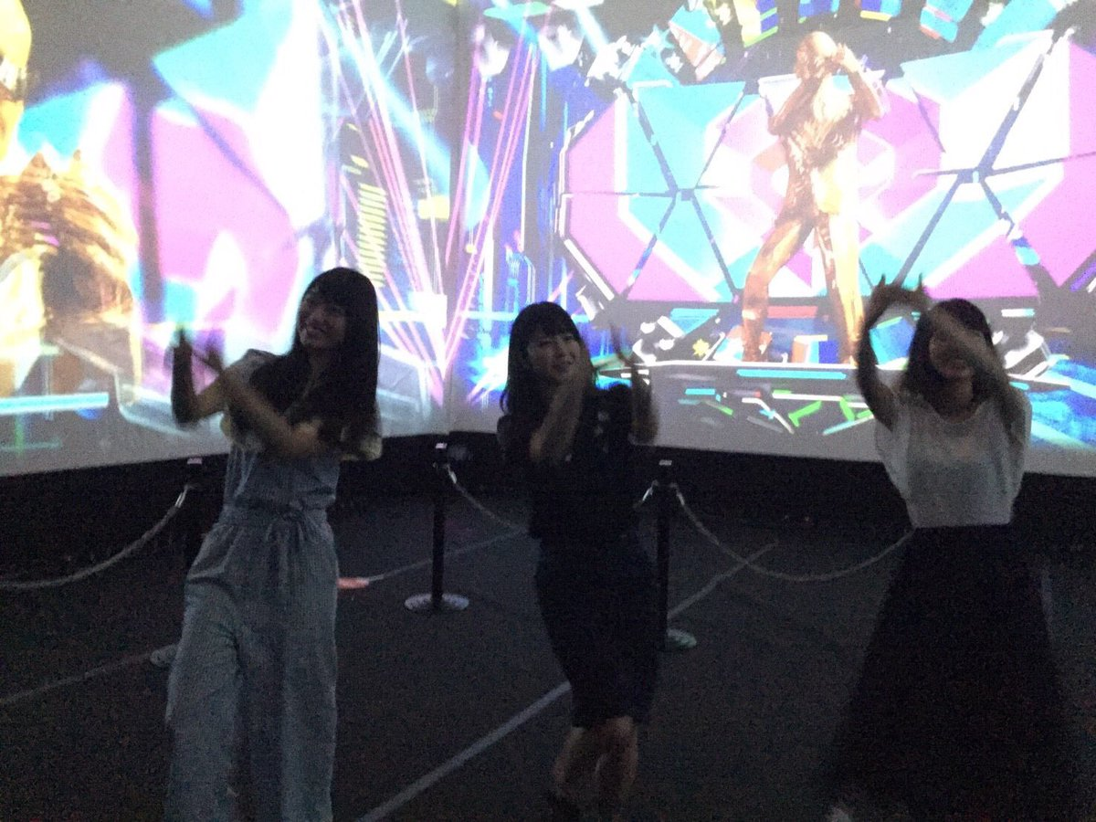 テレ朝夏祭り🍧🌴 ミュージックステーションのブースで、ダンシングタモリさんと踊ってきたよ💃🏻タモリさ…