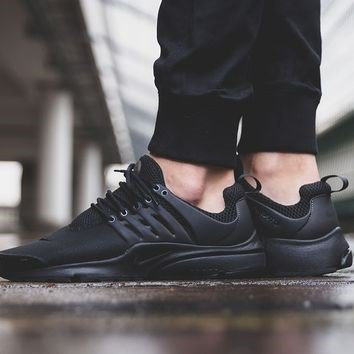 The @Nike Junior Air Presto 'Triple Black' has landed. Shop it now in select stores, just in time for #BackToSchool https://t.co/icNxr2IoKS