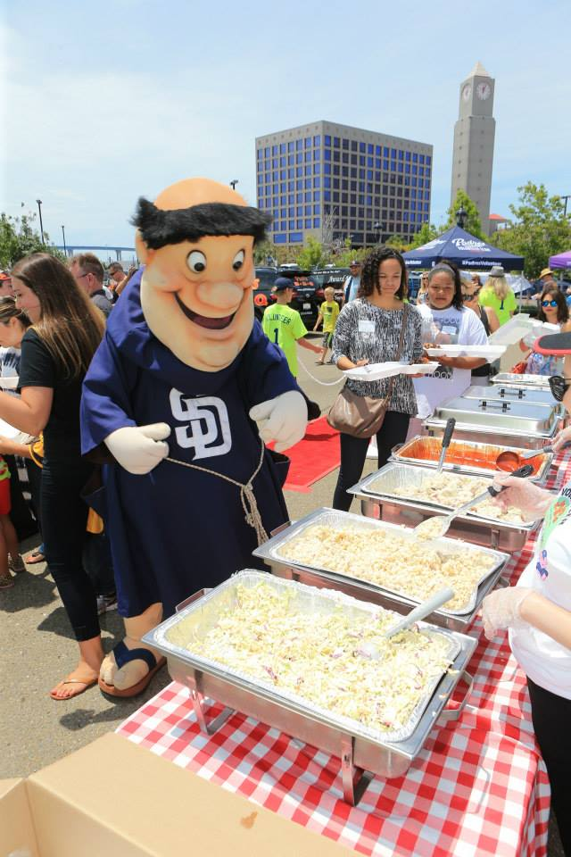 We're giving away 2 pairs of tix to #PhilsBigBBQ charity event & @Padres game Sun. RT by 9am 8/5 for chance to win! https://t.co/IT9B5XPJMi