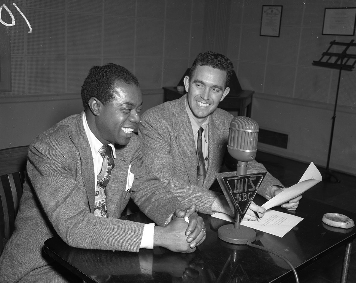 On Aug. 4th, 1940, #LouisArmstrong performed at the Township. Here he is with@wis10! #historyiscool #TBT #ColumbiaSC https://t.co/AsjtqZxIRw