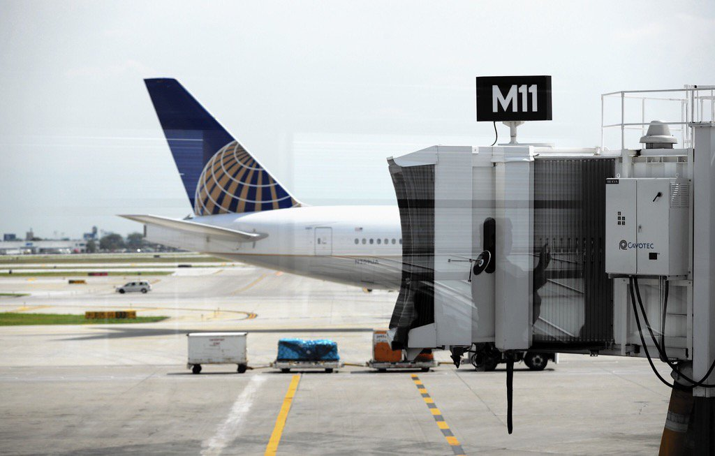 United puts limits on stopovers, remains more generous than rivals