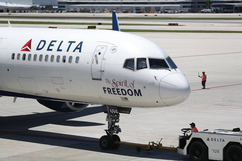 Delta investigating Muslim couple's removal from European return flight