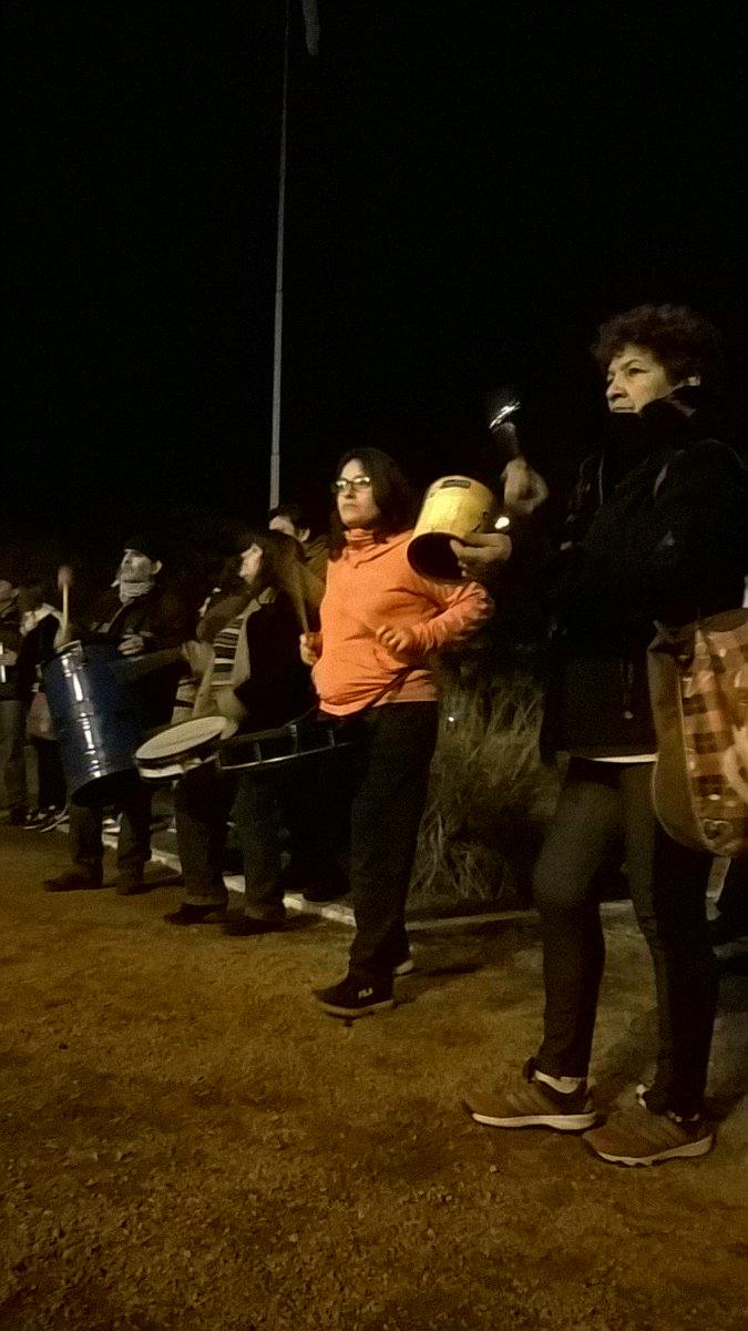 Alrededor de un centenar de personas participaron del #Ruidazo en #TresLomas https://t.co/bBQHDar5OE