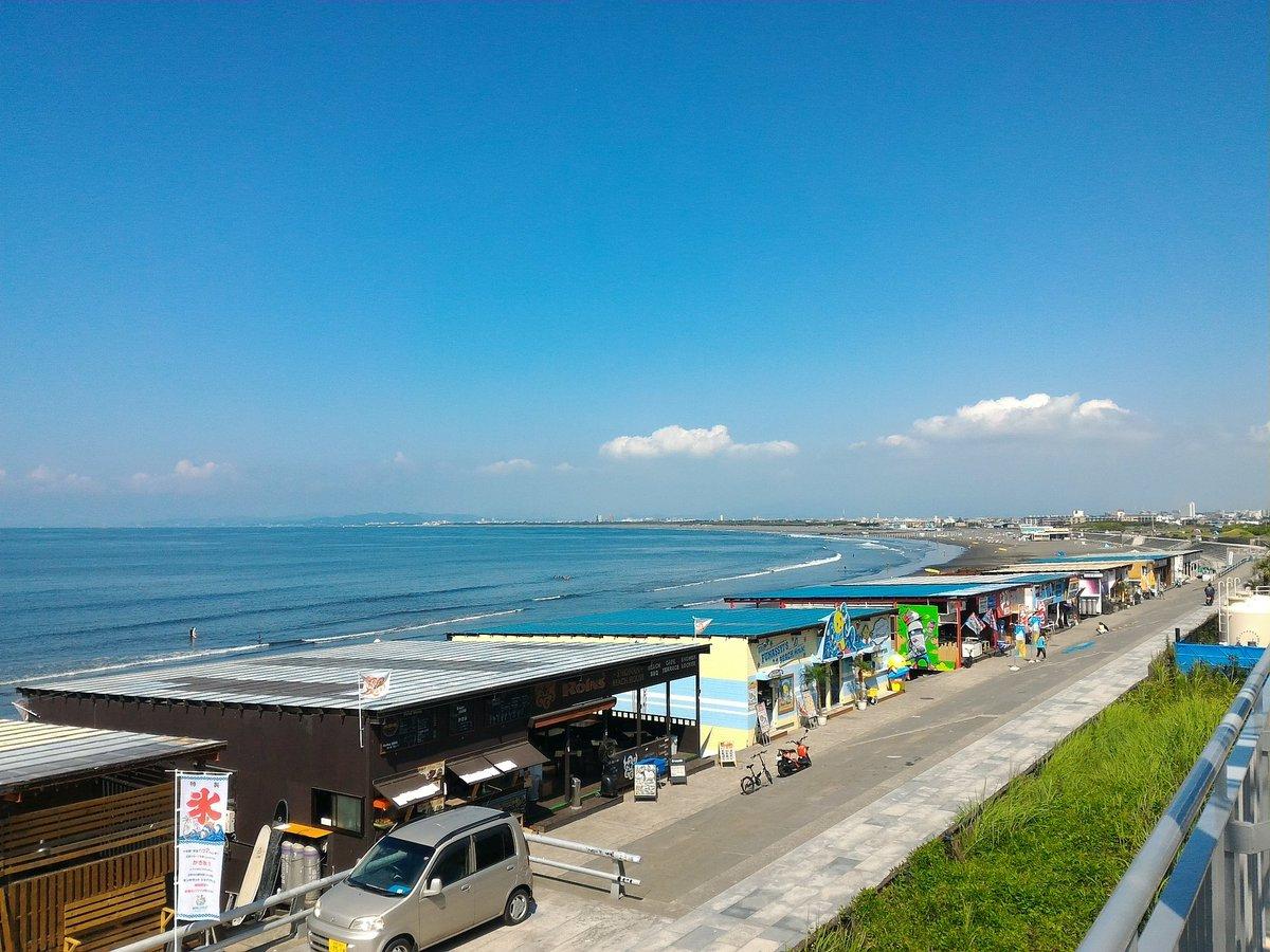 おはようございます。きょうも江の島周辺は夏の青空です。土日にかけてもこんな感じでしょうか。みなさま、…