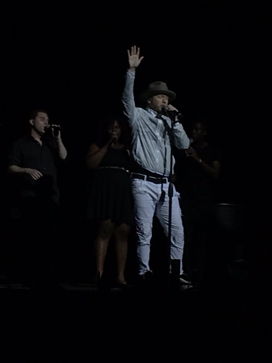 I'm crying like a baby now @DonnieWahlberg sings I need you... ❤️ @NKOTB #nkotbconeyisland https://t.co/cB71932NhR