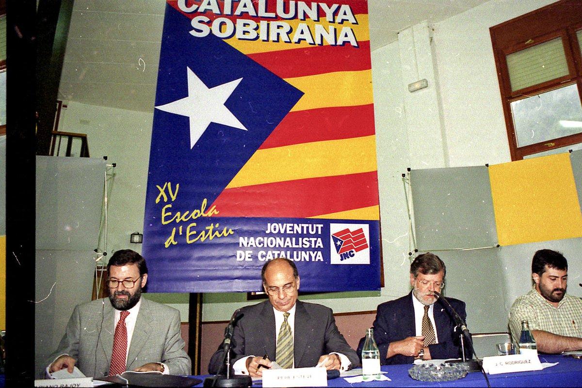 Rajoy i Rodríguez Ibarra sota l'estelada el 1997 a Planoles https://t.co/n0RQ2aF17x https://t.co/KeuoVKFQsB