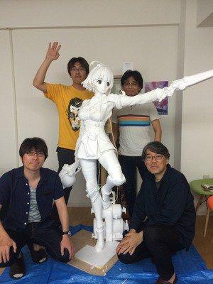 無名の等身大立像が公開されました! 完成した姿は8月21日のお披露目イベントにて! ただいま美樹本さ…