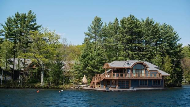 Toronto's real estate mania hits Muskoka cottage @CarolynIreland