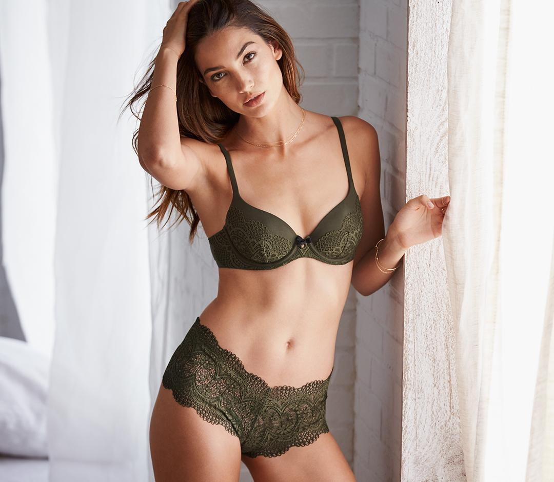 A crochet lingerie look you can take into fall. #NewSexyNow  https://t.co/ggkEjmfEm3 https://t.co/PNw3rABx1S