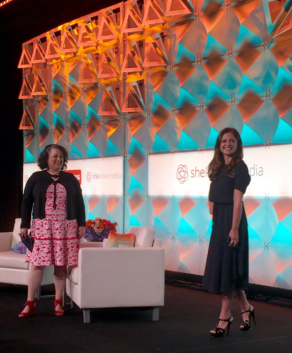 How cute is @SarahMGellar at #blogher16 can't wait to try @foodstirs https://t.co/MmaC1JQoXy