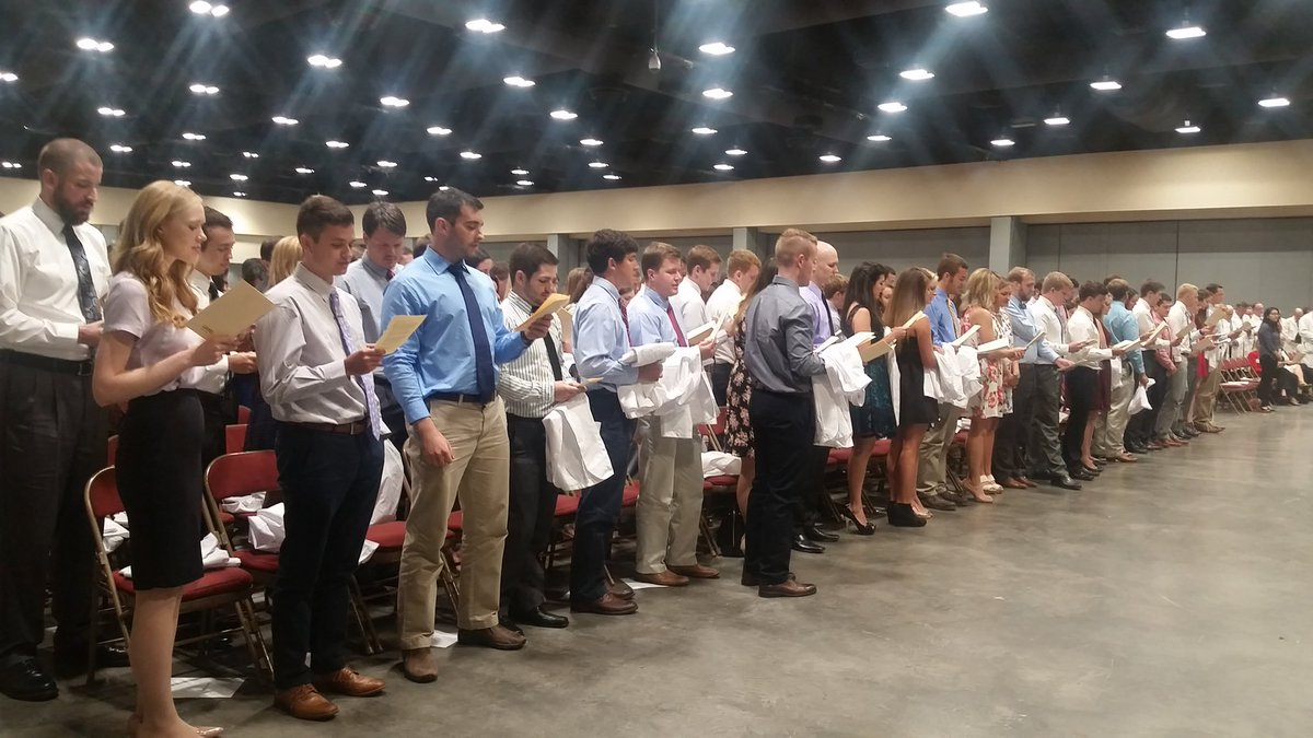 The College of Medicine celebrates 174 incoming medical students. Welcome to UAMS, class of 2020! #UAMSWhiteCoat https://t.co/JR0Zb9SfIq