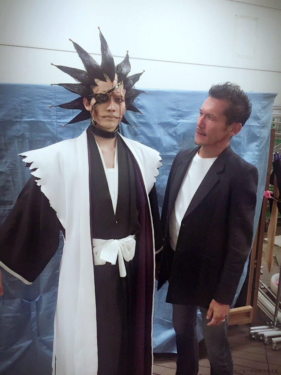 昨日の夜公演に初代更木剣八役の鈴木省吾さんがいらして頂きました! 11番隊は2人して舞台の上から省吾…