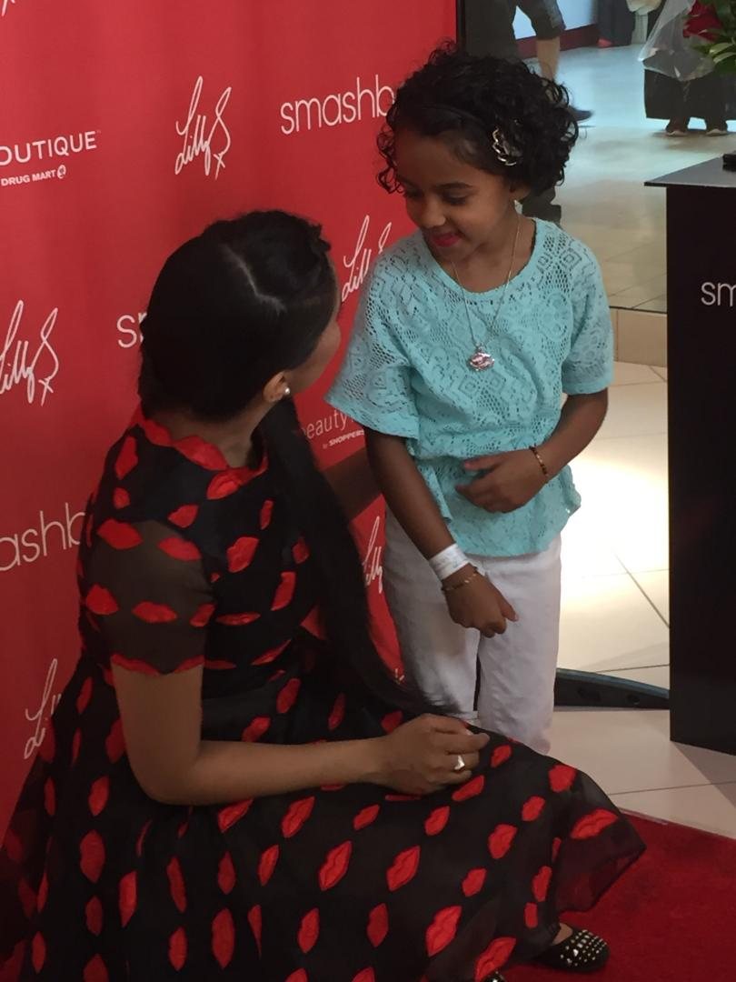 @IISuperwomanII meeting fans of all ages at @shopprsdrugmart meet & greet for her new @smashbox #bawse lipstick https://t.co/s98RPnlKlN