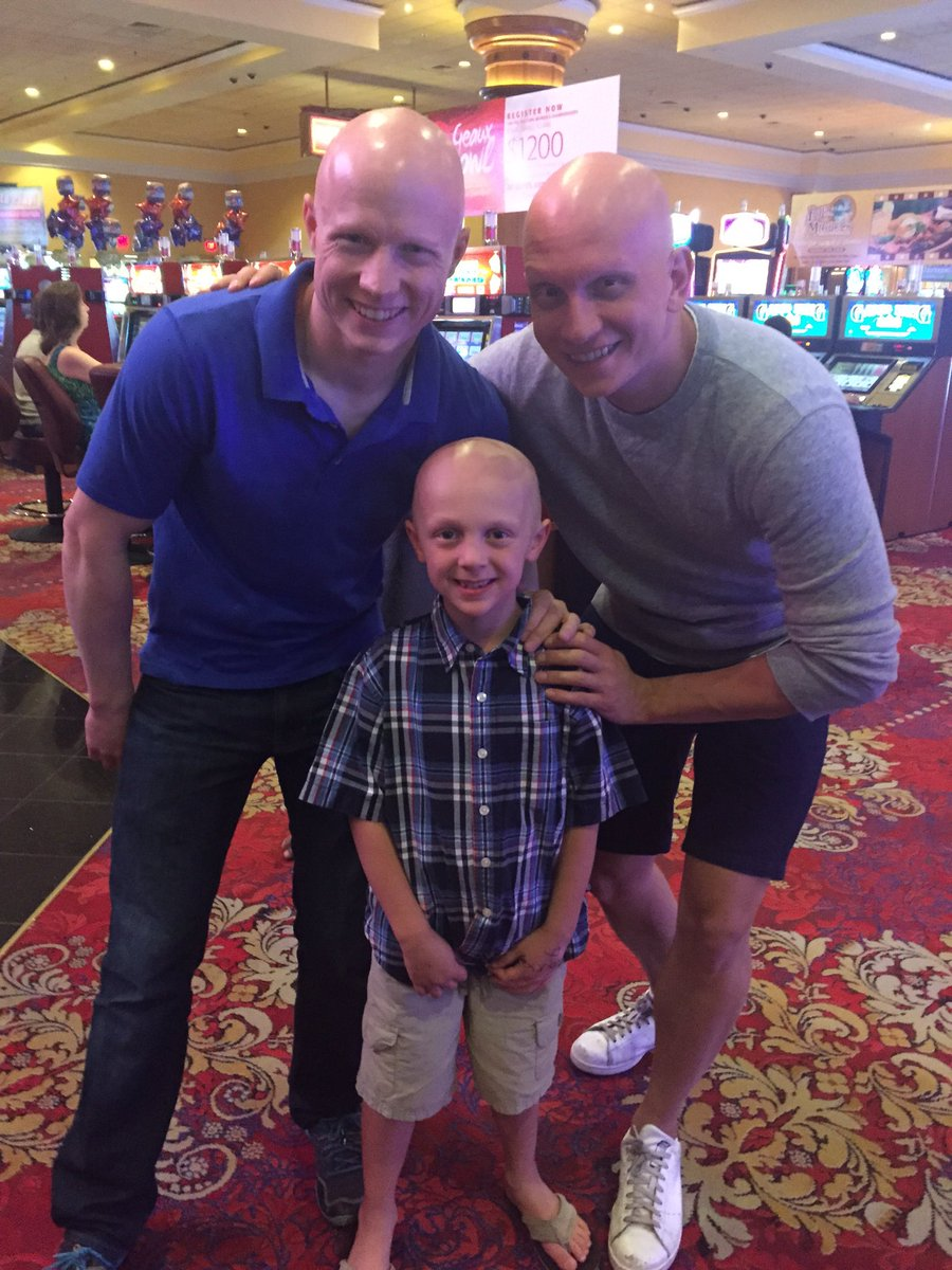 In honor of #InternationalAlopeciaDay here's to standing out & being different! w/ @kevin_the_bull @Anth_Carrigan https://t.co/h120HxjiGW