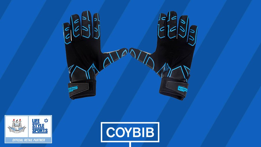 A calm and collective catch from Cluxton! RT to win a pair of gloves & a €20 gift card #DUBvDON #COYBIB https://t.co/wnknedH2SF