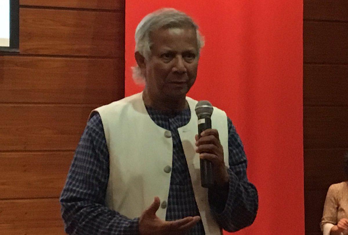 """A pobreza é imposta aos pobres a partir do momento em que o sistema lhes nega oportunidades"" M. Yunus, Nobel da paz https://t.co/SFufugIgon"