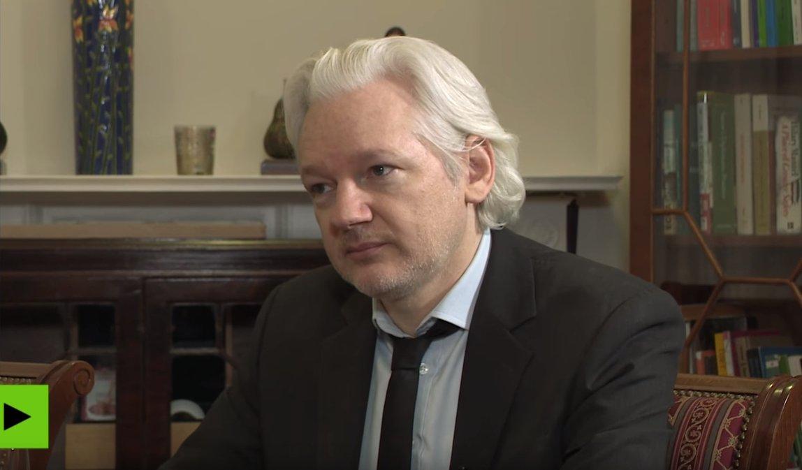 Julian Assange accuse Hilary Clinton d'avoir fourni des armes aux djihadistes syriens https://t.co/P6PnwYI7xZ
