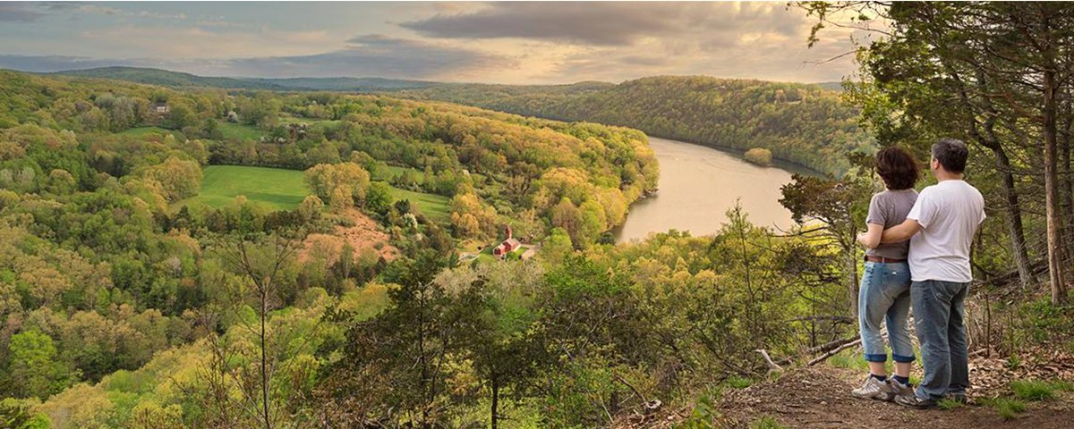 Swap rooftop views for mountain vistas with these amazing hikes in Connecticut: https://t.co/x8XzflSQ2r #CTvisit https://t.co/Ud7kkqTKRs