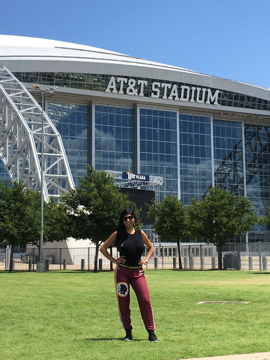1 pic. When you love the city of Dallas but pettiness is your way of life. #HTTR DYedXf