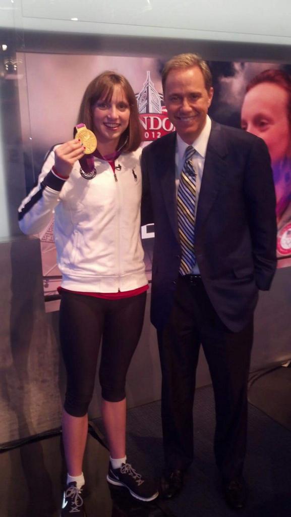 #Katie ! BREAKS HER OWN WORLD RECORD #Rio2016 400M Freestyle https://t.co/jOJ7vKo3Om