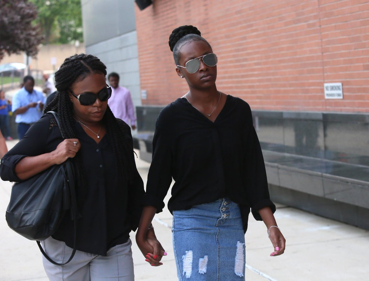 Trinity Carr in court to decide if she will be charged as adult in classmate's death #NetDE https://t.co/qilfbX1HAY https://t.co/uQS7qTlbT5
