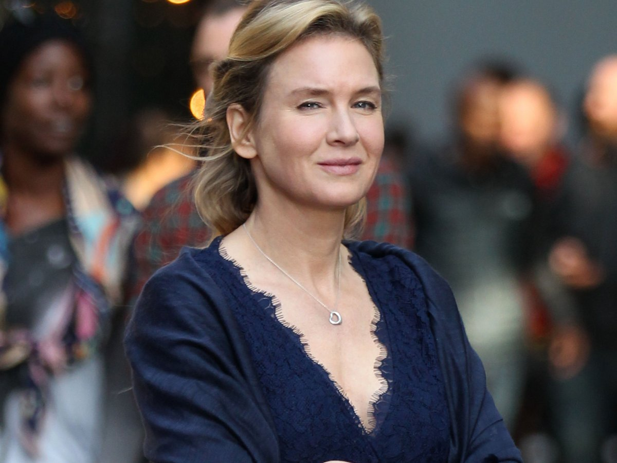 renee zellweger slams plastic surgery speculation in powerful renee zellweger slams plastic surgery speculation in powerful sexism essay t