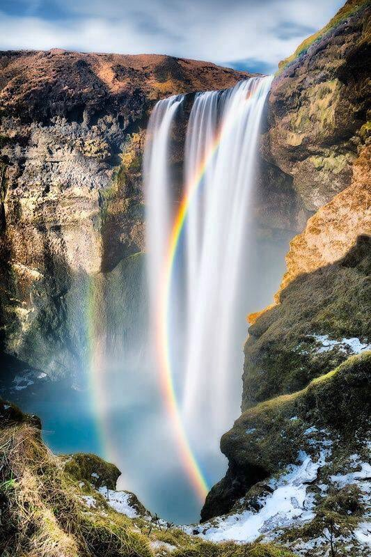 """Try to be a rainbow in someone's cloud.""🌟🌈💕  Grettis Skogafoss, Iceland. https://t.co/lcbNLTYhpw"
