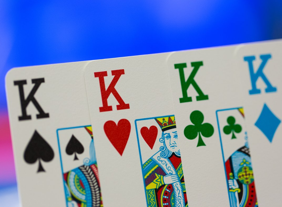 Who'd like to see our funky 4-colour decks back for #EPTBarcelona?