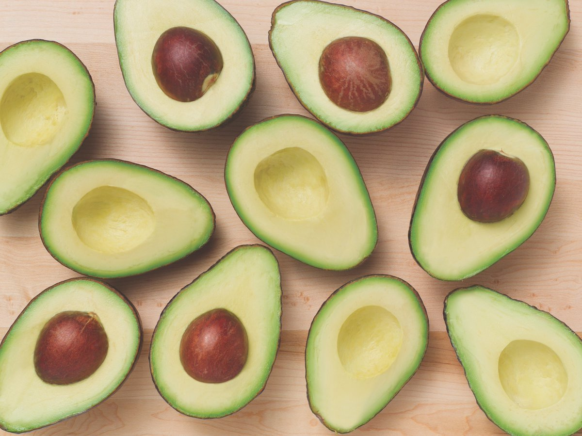 Avocado contains 150 mg. of potassium per ounce, making it perfect for an athlete's diet.#AvocadoFacts #LoveOneToday https://t.co/BoxstLhIkx
