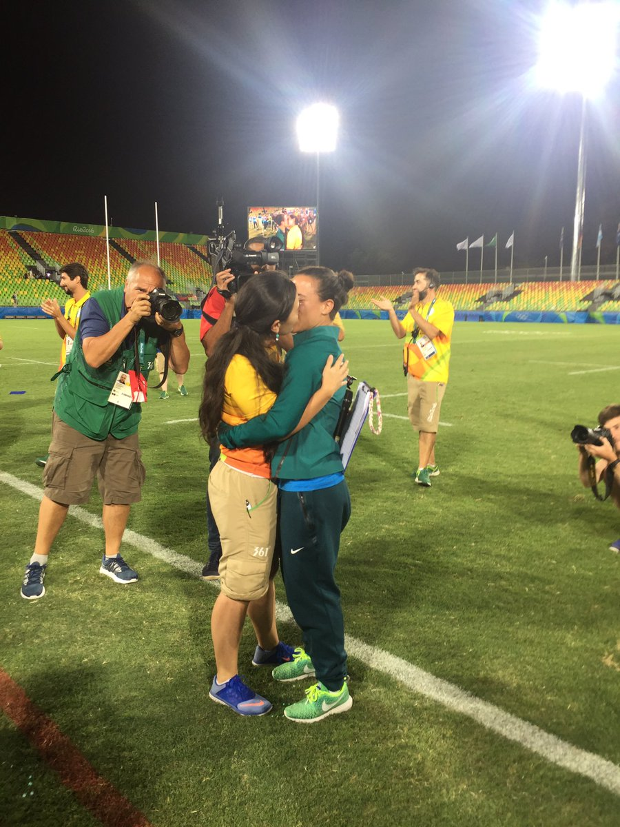 Love won tonight. Venue manager proposes to #BRA #rugby player/partner w/incredible msg of inclusion @CBCOlympics https://t.co/C2Zq1h4gtO