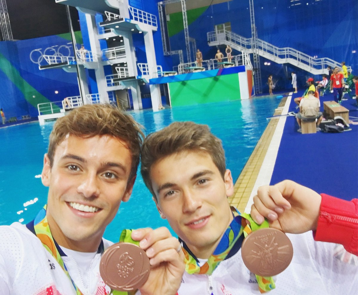 OLYMPIC BRONZE MEDALISTS!! Can't believe it! So happy and proud of you @danngoodfellow :) https://t.co/uc4DPL5sFG