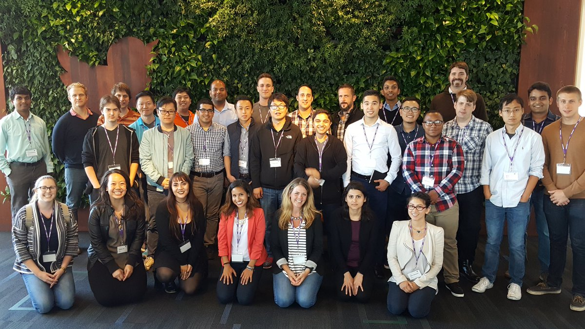 Happy Monday from the #Aug8NewHires! Welcome to the Flock, everyone! https://t.co/As25HIy9w5