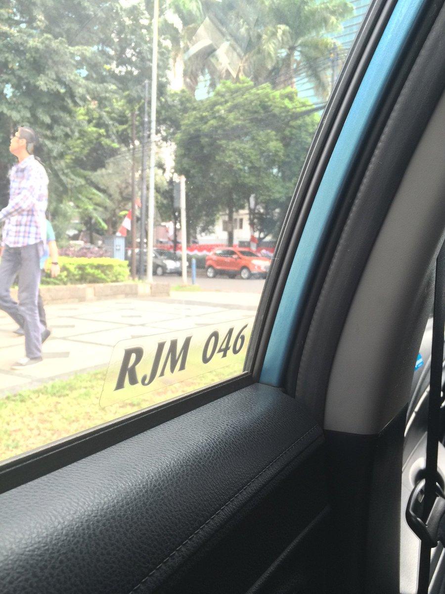 Dear @Bluebirdgroup pengemudinya dgn no RJM 046 galak & nyetirnya sembrono. Mungkin dia lelah https://t.co/S9vfW0XrI4