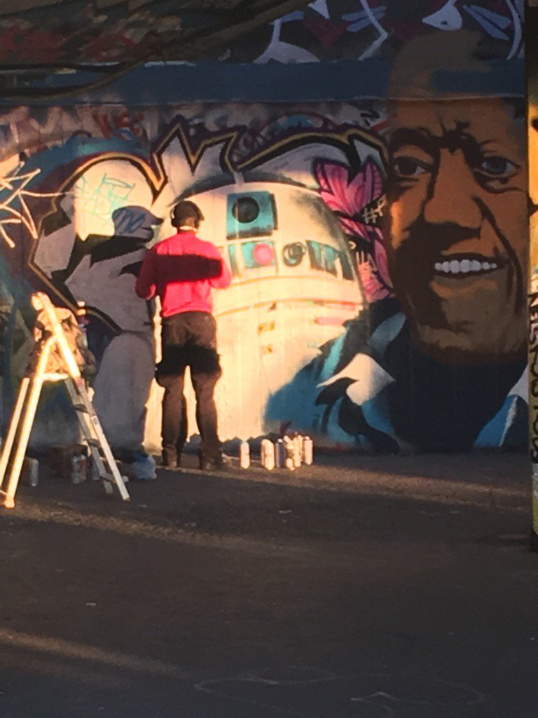 Graffiti tribute to the late Kenny Baker under the South Bank. https://t.co/AVUIpKQSfv