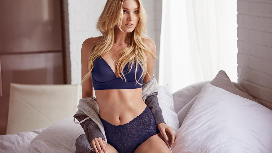 The official lingerie look of weekend chill. https://t.co/npQmmb8cYs #NewSexyNow https://t.co/mf6rrm7Id6
