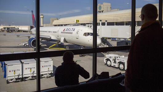 Delta seeks forgiveness with refunds