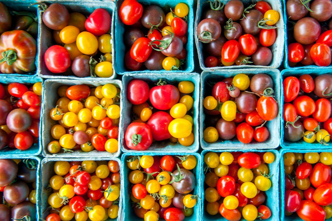 .@LarryHogan declared Aug. 7-13 Farmers Market Week in MD. More from @MdAgDept: https://t.co/2mUgUD35J5 #BuyLocalMD https://t.co/f5cUUsaSS9