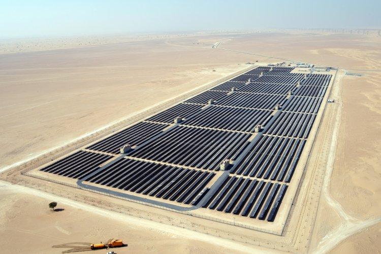 Dubai To Build 1 Gigawatt Solar Power Plant https://t.co/0KI1dFLikJ https://t.co/u5Qfre1Hbt