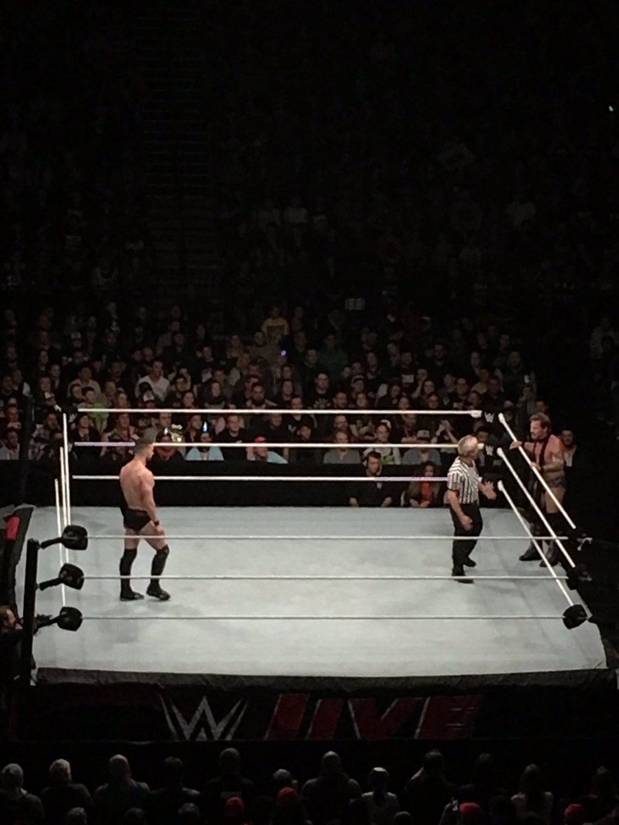 This is awesome! #conflicted #WWEAuckland #balorclub #giftofjericho https://t.co/FYMnLLYLlx