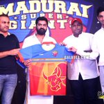RT @galattadotcom: #MaduraiSuperGiants #TNPL jersey officially launched by @virendersehwag @iam_str @anirudhofficial @MusicThaman https://t…