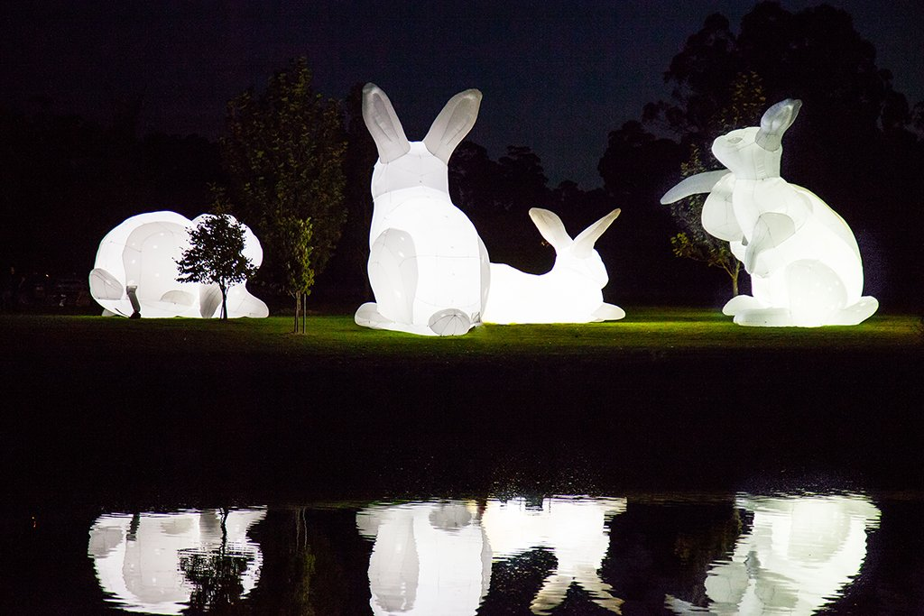 Giant bunnies hop into the #NCMApark this fall for 10 days only! Free public art exhibition: https://t.co/qIwLH4P9r4 https://t.co/Jc52kieGor