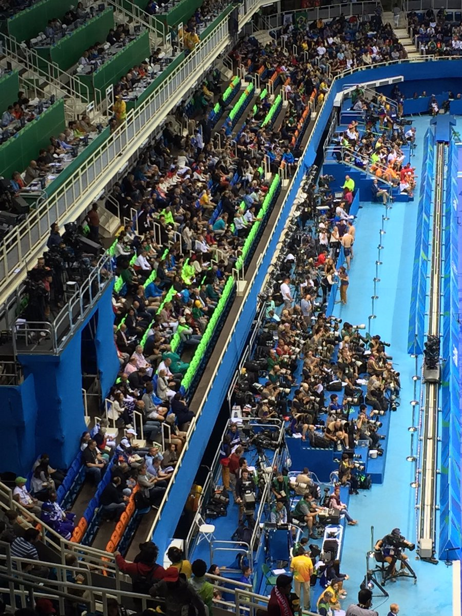 #Rio2016 Swimming 5th night in a row the best seats in the house, reserved by IOC sit empty & fans left out. @KTLA https://t.co/KS4m79ompf