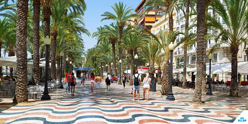 Sun, sea and city centre. Meet Alicante!