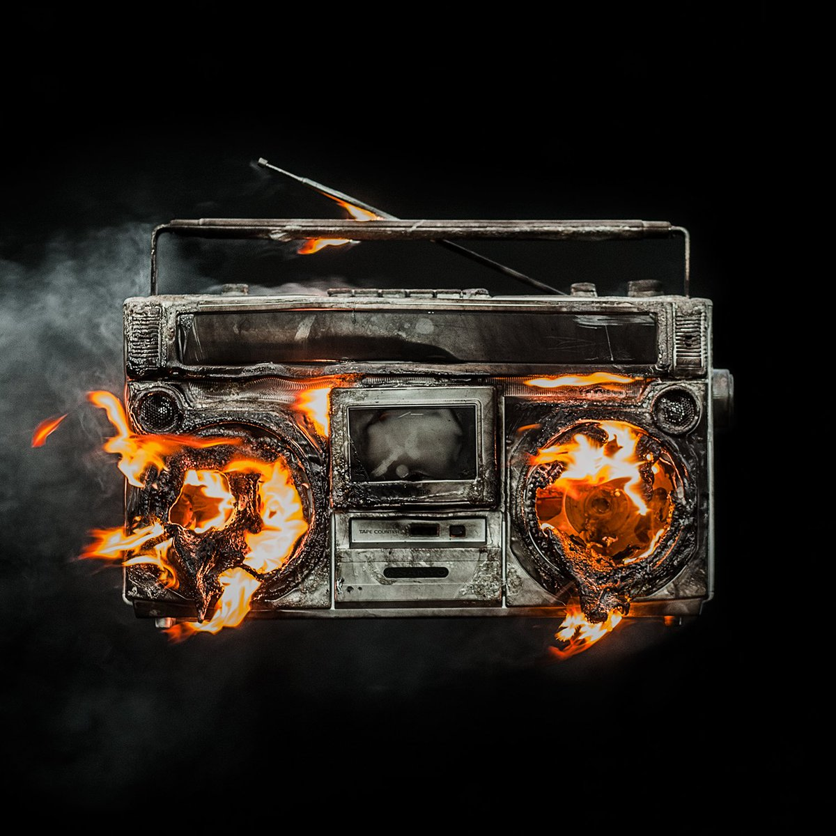 Pre-Order the new Green Day album 'Revolution Radio' and get the song instantly at https://t.co/Eiare9J9I0 https://t.co/r03fnIFy3v
