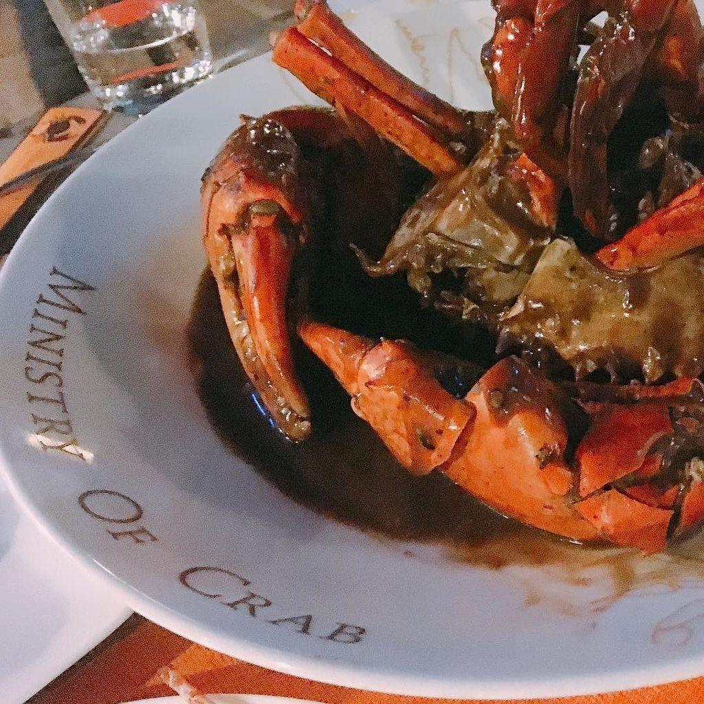 Giant Sri Lankan crabs @ministryofcrab Simply sensational food. #visitsrilanka #asian50bes… https://t.co/5LlLdfIOKS https://t.co/vTQs99rgoL
