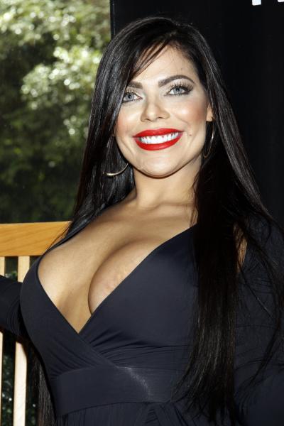 RT @PublimetroMX: ???? La Miss Bumbum enseñó de más en su visita a México https://t.co/w1y0huSxns ???? ???? https://t.co/1fIJEey7P3