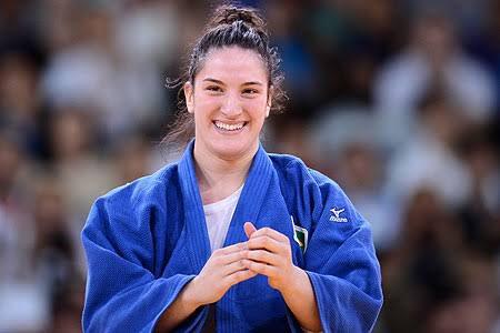 Nasceu pra lutar judô Nasceu pra nos dar orgulho O Rio de Janeiro é delas #Rio2016 #Judô #Bronze #Brasil https://t.co/Z0HqxU1Ikq