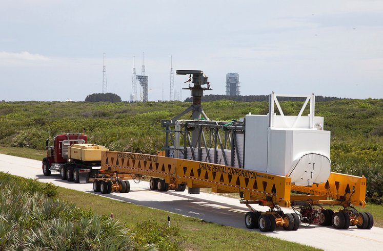 Big hardware moving.....the Starliner Access Arm moves to the Atlas Launch Pad https://t.co/BwiCkfFwO1