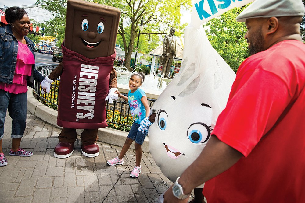 Save on #HersheyparkHappy before summer ends! Buy 2 tickets through 8/19 & get 1 FREE! https://t.co/ZZpmPg946W https://t.co/DbNHPQQddU